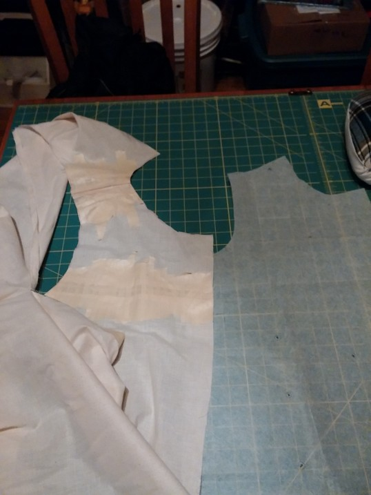 Original tracing on the right, Frankenmuslin on the left. Check out those neckline and armhole differences!!